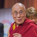 Le Dalaï Lama souriant