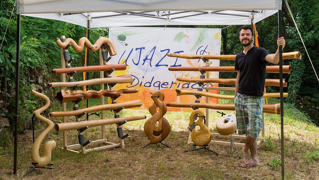 Ujazi didgeridoo – Un fabricant de didgeridoo qui monte !