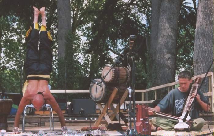 Kristian sur la scène du festival
