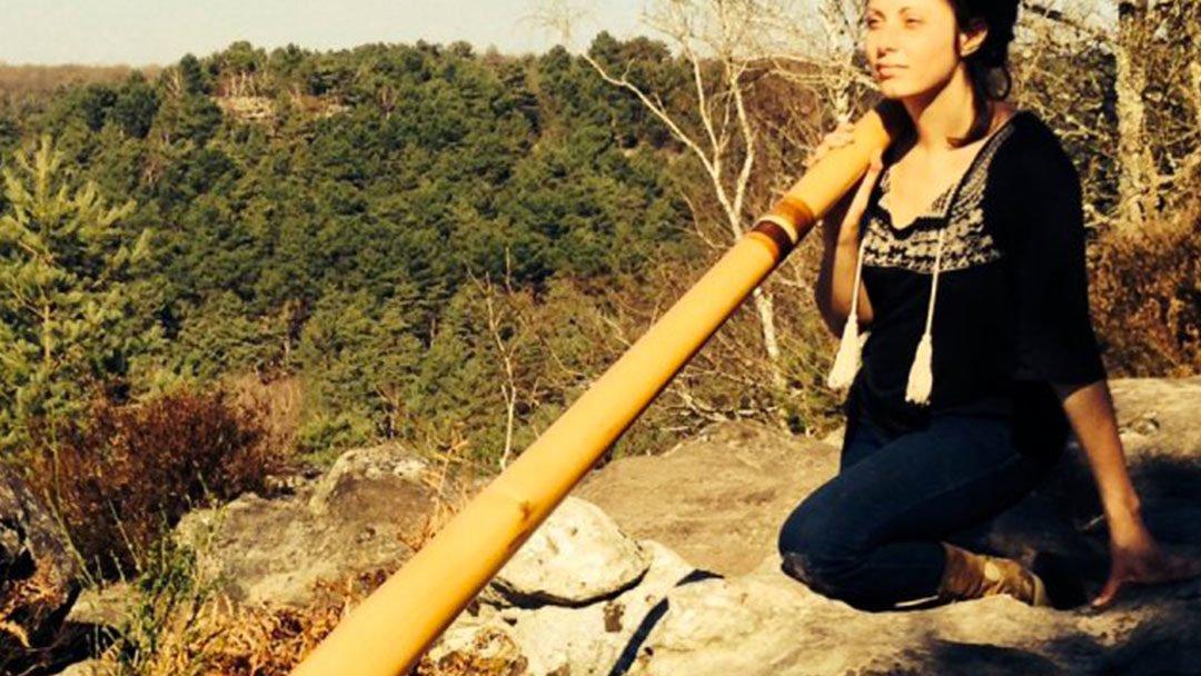 Les femmes aussi jouent du didgeridoo, hommage à 5 d'entre elles