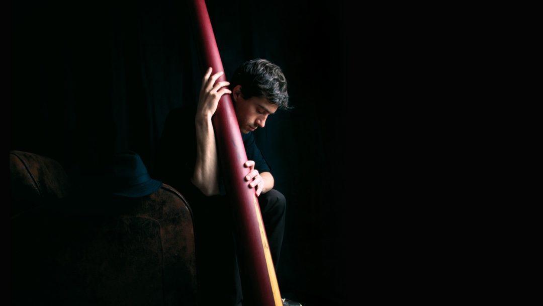 Quand le massage sonore transforme notre approche du didgeridoo, rencontre avec Othello Ravez